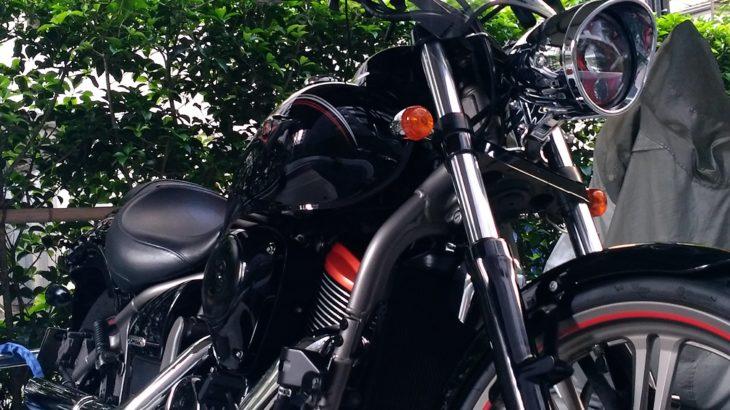 【VN900】カワサキ バルカン900のエンジンオイルとオイルフィルタを自分で交換する方法!